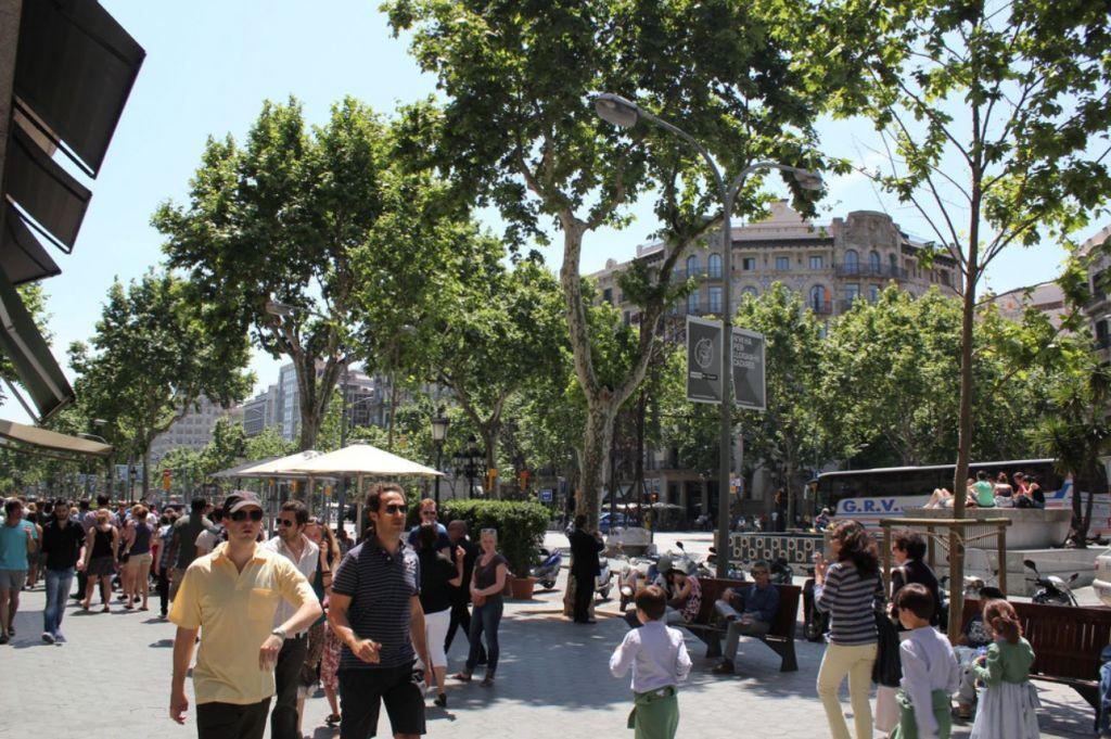 best-neighborhoods-to-live-in-barcelona-eixemple-2